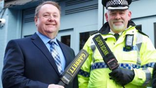 Stuart Moore from the Baa Bar and Insp Stephen Hardy from Merseyside Police