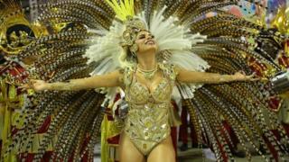 کارناوالی رنگارنگ و شاد در برزیل برای کمک به افراد درگیر با مشکلات روحی