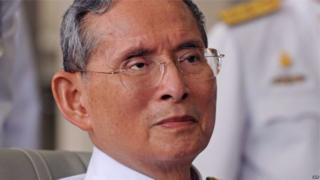 Umwami wa Thailand Bhumibol Adulyadej yari yubashwe cane muri Thailand