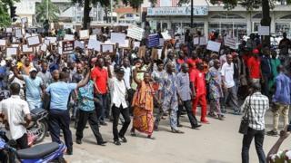 Ils ont répondu à l'appel du Front pour le Sursaut Patriotique, un regroupement de syndicats, de partis politiques d'opposition et de mouvements de la société civile.