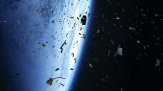 """مشروع إطلاق أقمار صناعية ضخمة يتطلب """"إخراج سريع"""" للمركبات الفضائية لتفادي الاصطدامات"""