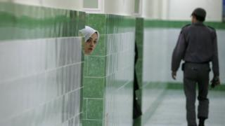 File photo showing a female inmate at Evin prison in Tehran, Iran (13 June 2006)