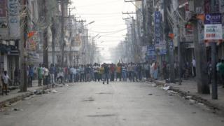 Madhesi protesters block the highway connecting Nepal to India on 4 November 2015