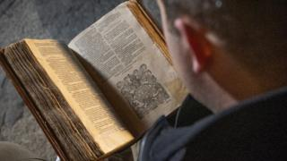 Climate change: Hydropower protects rare Bible collection
