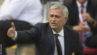 Jose Mourinho waxaa saameeyay seddax ciyaar oo isku xigta oo laga badiyay