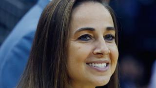 Becky Hammon, antes de un partido de los Spurs.