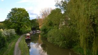 Oxford canal at Shipton-on-Cherwell