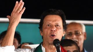 पाकिस्तान तेहरीक-ए-इंसाफ पक्षाचे प्रमुख इम्रान खान