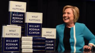 Hillary Clinton discourse What Happened sells 300,000 copies
