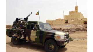 Une patrouille de soldats maliens à Kidal en 2013