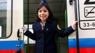 Юна співробітниця залізниці