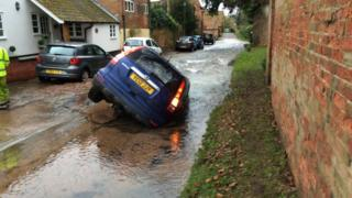 4X4 gets stuck in a sinkhole in Epperstone