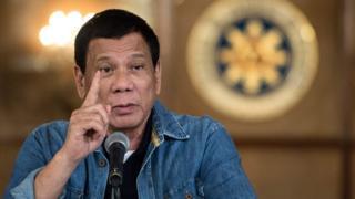 Duterte ayaa sheegay in uu wax ka qaban doono askarta musuqmaasuqa samaysa