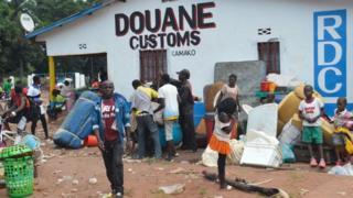 Abaturage ba Kongo barenga ibihumbi 300 ni bo bamaze kwirukanwa muri Angola