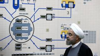روحاني في مفاعل بوشهر