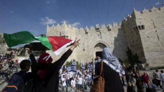 Palestinian and Israeli counter-rallies in Jerusalem (24/05/17)
