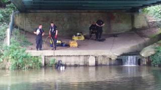 Guy Hedger weapon river search