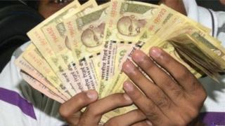 Ấn Độ đổi tiền