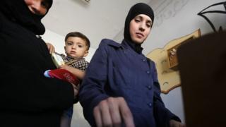 Şam'ın Doğu Guta bölgesinde de halk sandıklara gitti.