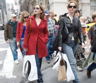 Shoppers on New York's 5th Ave