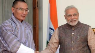 भूटान नरेश के साथ नरेंद्र मोदी