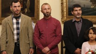 Рибалки: албанець Джейк Гані (по центру), єгиптяни Ібрагім Махмуд Муса (справа) і Емад Аль Хаймі (зліва)