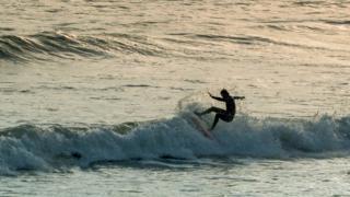 Surfer the Rest, Orange