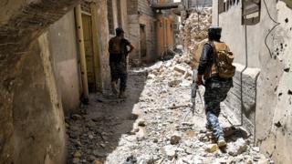 جنود عراقيون أثناء معركة استعادة الموصل