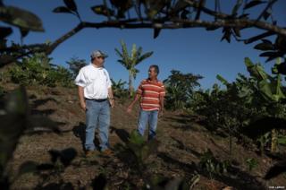 Luis 'Nardo' Ramirez (right)