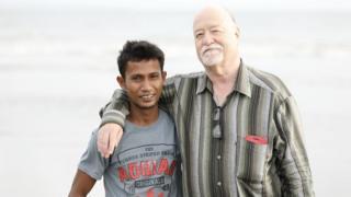 Colin Singer membantu Ali mendapatkan ganti rugi atas perlakuan pemerintah Australia