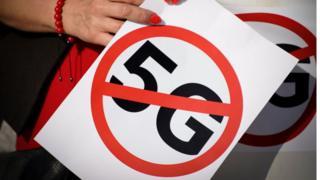 Protesta contra el 5G en Polonia.