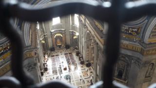 Interior de la Basílica de San Pedro (Foto: Paulina Cabrera)