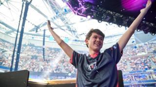 US teenager wins $3m as Fortnite world champion