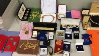Seized jewellery (pic courtesy FIOD)