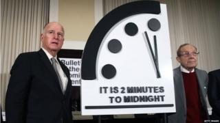वॉशिंग्टनमध्ये एका पत्रकार परिषदेत हे घड्याळ दाखवण्यात आलं.