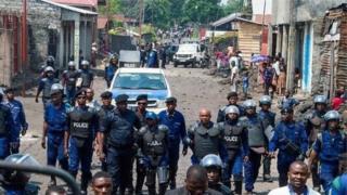 Une forte présence militaire et policière a été notée.