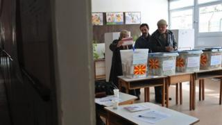 Macedonians voting in a previous election