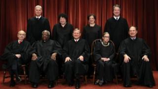 5 عضو دیوان عالی با فرمان رییس جمهوری موافق نبودند