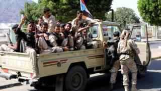 Southern separatist fighters patrol Aden, Yemen (29 January 2018)