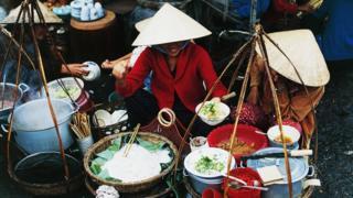 Một người bán hàng rong ở Hà Nội