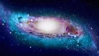 ภาพจำลองรูปทรงที่แท้จริงของกาแล็กซีทางช้างเผือก ซึ่งไม่เหมือนกับจานแบนเรียบเสียทีเดียว