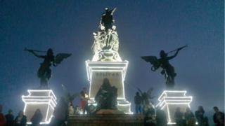 """Monumento """"Von Miller"""", en el puente de Boyacá, Colombia. (Foto: Adriana Lara)"""
