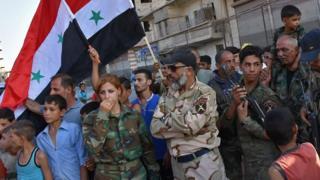 ويعتبر زهر الدين من أبرز قادة القوات الحكومية في المعارك الدائرة بدير الزور