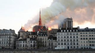 Scene of blaze in Paris