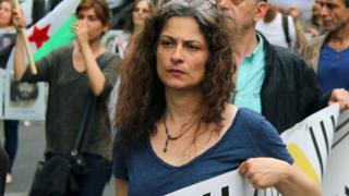مي في مظاهرة في باريس عام 2016