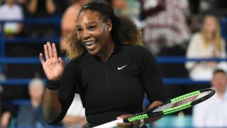 """Serena Williams a besoin de """"plus de temps"""" pour retrouver la forme"""