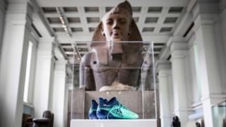 حذاء محمد صلاح في المتحف البريطاني