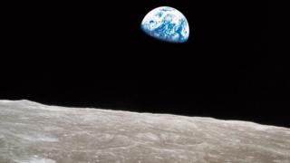 Earthrise-from-the-lunar-surface.