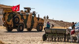 نیروهای ارتش ترکیه در یک روستای شمال سوریه