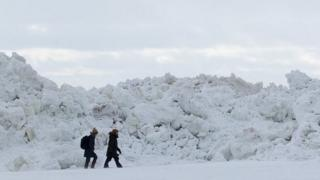 Ice wall in Zelenogorsk